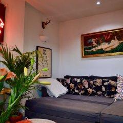 Апартаменты 2 Bedroom Apartment In Belsize Park комната для гостей фото 3