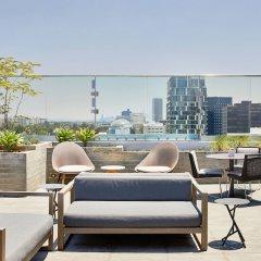 Отель AC Hotel by Marriott Beverly Hills США, Лос-Анджелес - отзывы, цены и фото номеров - забронировать отель AC Hotel by Marriott Beverly Hills онлайн бассейн