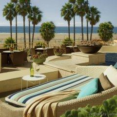Отель Loews Santa Monica Санта-Моника бассейн
