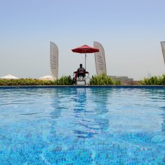 Отель Bespoke Residences - Shoreline Al Haseer бассейн фото 2