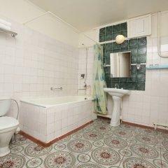 Гостиница Азимут Самара в Самаре отзывы, цены и фото номеров - забронировать гостиницу Азимут Самара онлайн ванная
