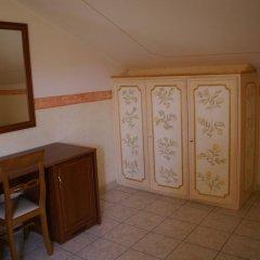 Отель Agriturismo Tenuta Quarto Santa Croce удобства в номере