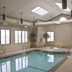Отель Best Western Dunkirk & Fredonia Inn США, Дюнкерк - отзывы, цены и фото номеров - забронировать отель Best Western Dunkirk & Fredonia Inn онлайн бассейн фото 2