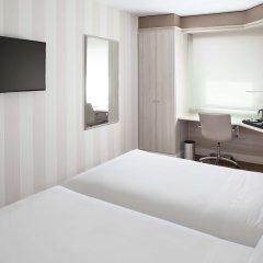 Отель NH Madrid Barajas Airport комната для гостей фото 4