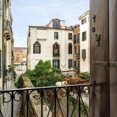 Отель GKK Exclusive Private Suites Venezia балкон