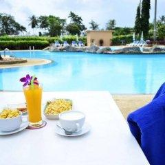 Отель Phuket Siray Hut Resort Таиланд, Пхукет - отзывы, цены и фото номеров - забронировать отель Phuket Siray Hut Resort онлайн питание