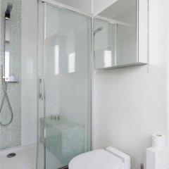 Отель onefinestay - Batignolles Apartments Франция, Париж - отзывы, цены и фото номеров - забронировать отель onefinestay - Batignolles Apartments онлайн ванная