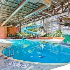 Отель Delta Hotels by Marriott Toronto East Канада, Торонто - отзывы, цены и фото номеров - забронировать отель Delta Hotels by Marriott Toronto East онлайн бассейн