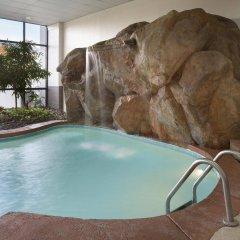 Отель Embassy Suites Columbus Колумбус бассейн