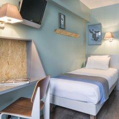 Отель Hôtel Basss сейф в номере