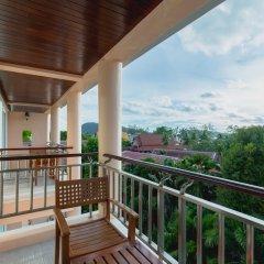 Отель Thanthip Beach Resort балкон