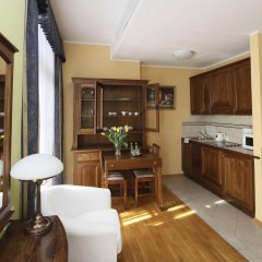 Отель EuroResidence Apartament Home в номере
