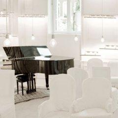 Отель La Maison Champs Elysees Париж в номере