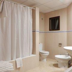Отель Marina Palmanova Apartamentos ванная фото 2