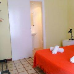 Отель Barcelona City Ramblas (Pensión Canaletas) Испания, Барселона - 1 отзыв об отеле, цены и фото номеров - забронировать отель Barcelona City Ramblas (Pensión Canaletas) онлайн комната для гостей фото 10