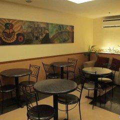Отель Gran Prix Hotel & Suites Cebu Филиппины, Себу - отзывы, цены и фото номеров - забронировать отель Gran Prix Hotel & Suites Cebu онлайн питание
