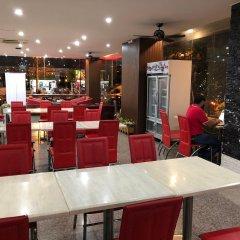 Отель VITS Patong Dynasty питание