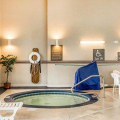 Отель Comfort Inn North/Polaris бассейн фото 3