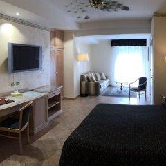 Отель Sant Alphio Garden Hotel & Spa (Giardini Naxos) Италия, Джардини Наксос - 2 отзыва об отеле, цены и фото номеров - забронировать отель Sant Alphio Garden Hotel & Spa (Giardini Naxos) онлайн удобства в номере
