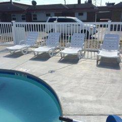 Отель Caravan Motel США, Ниагара-Фолс - отзывы, цены и фото номеров - забронировать отель Caravan Motel онлайн бассейн