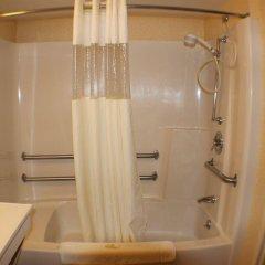 Отель All Seasons Inn and Suites ванная фото 2