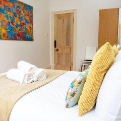 Отель Charming 2-bedroom apt in the Heart of West End Глазго комната для гостей фото 4