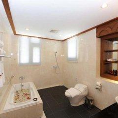 The Golden Lake Hotel ванная
