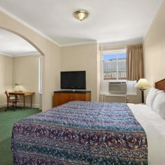 Отель Travelodge by Wyndham Downtown Chicago комната для гостей фото 5