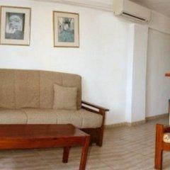 Отель Apartamentos Llevant комната для гостей фото 2