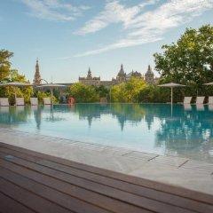 Отель Melia Sevilla бассейн