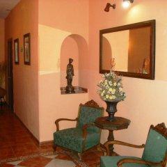Отель Hostal Los Montes интерьер отеля