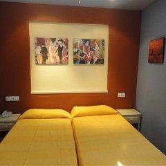 Отель Hostal Los Caracoles комната для гостей фото 3