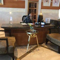 Отель Hilton Sharjah ОАЭ, Шарджа - 10 отзывов об отеле, цены и фото номеров - забронировать отель Hilton Sharjah онлайн гостиничный бар