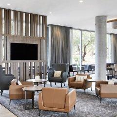Отель AC Hotel by Marriott Phoenix Biltmore США, Финикс - отзывы, цены и фото номеров - забронировать отель AC Hotel by Marriott Phoenix Biltmore онлайн гостиничный бар