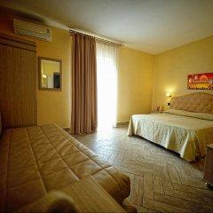 Hotel Barbato сейф в номере