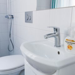 Отель Birka Hostel Швеция, Стокгольм - 6 отзывов об отеле, цены и фото номеров - забронировать отель Birka Hostel онлайн ванная