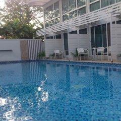 Отель Pool Villa @ Donmueang Бангкок бассейн