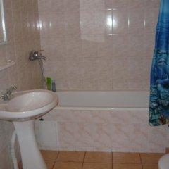 Гостиница Guest House on Pionersky prospekt 36 в Анапе отзывы, цены и фото номеров - забронировать гостиницу Guest House on Pionersky prospekt 36 онлайн Анапа ванная