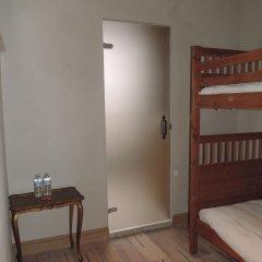 Отель Saint-Sauveur Bruges B&B сейф в номере