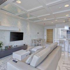Отель Luxury Apt Ocean Views in Tigne Point, With Pool Мальта, Слима - отзывы, цены и фото номеров - забронировать отель Luxury Apt Ocean Views in Tigne Point, With Pool онлайн комната для гостей фото 3