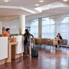 Отель ibis München City Nord Германия, Мюнхен - отзывы, цены и фото номеров - забронировать отель ibis München City Nord онлайн интерьер отеля фото 3