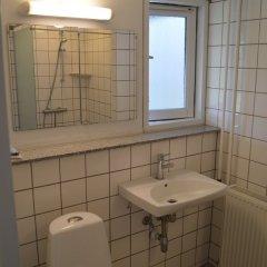 Отель U3z Hostel Aalborg Дания, Алборг - отзывы, цены и фото номеров - забронировать отель U3z Hostel Aalborg онлайн ванная
