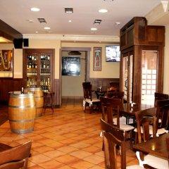 Отель Hostal Los Molinos гостиничный бар