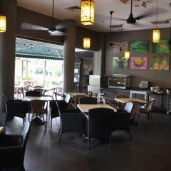 Отель Siloso Beach Resort, Sentosa гостиничный бар