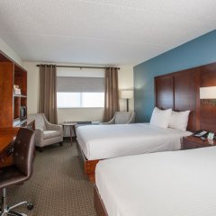 Отель Red Feather Lodge комната для гостей фото 5