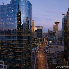 Отель Fairmont Pacific Rim Канада, Ванкувер - отзывы, цены и фото номеров - забронировать отель Fairmont Pacific Rim онлайн балкон