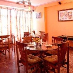Отель Western Queen Индия, Нью-Дели - отзывы, цены и фото номеров - забронировать отель Western Queen онлайн питание