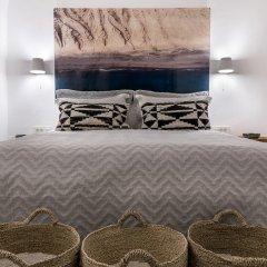 Отель 3 Caves Villa by Caldera Houses Греция, Остров Санторини - отзывы, цены и фото номеров - забронировать отель 3 Caves Villa by Caldera Houses онлайн комната для гостей