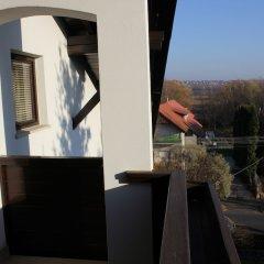 Отель Timpa Apartmanház & Dr. Strecker Villa балкон