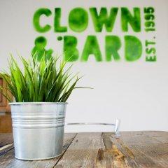 Отель Clown and Bard Hostel Чехия, Прага - отзывы, цены и фото номеров - забронировать отель Clown and Bard Hostel онлайн удобства в номере